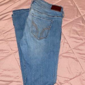 i'm selling hollister light wash jeans !